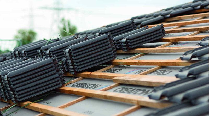 Jak skutecznie mocować dachówki ceramiczne na dachu?
