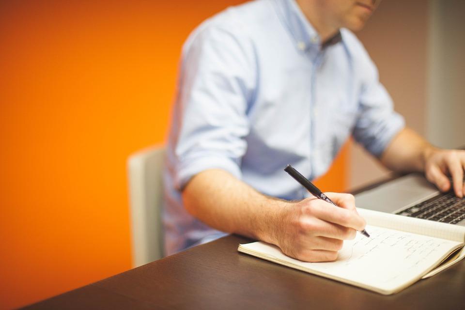 5 rzeczy, które powinieneś wiedzieć wybierając fotel biurowy